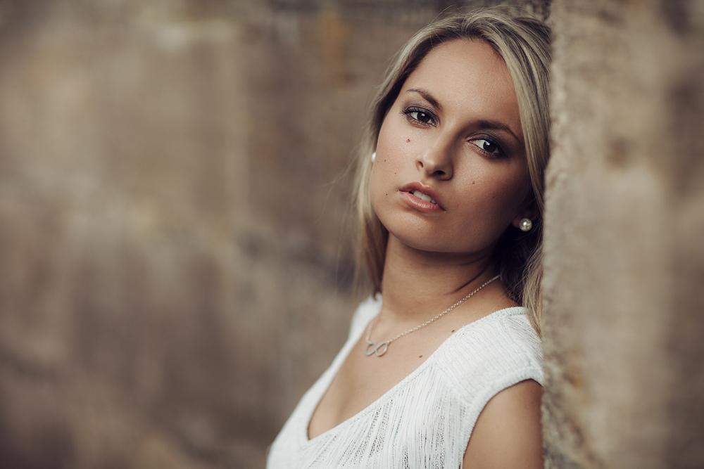 Portrait von Kristina im Schlosspark Fulda