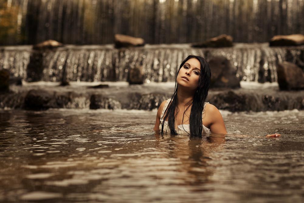 Portraitfotografie - Natalie im Wasser