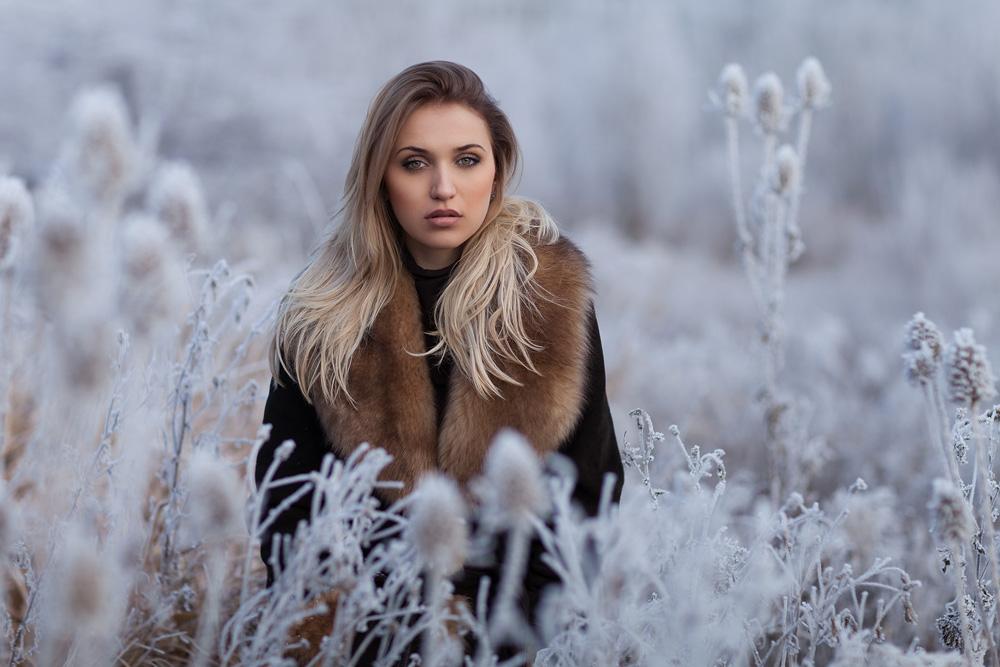 Portrait von einem russischen Model im Winter