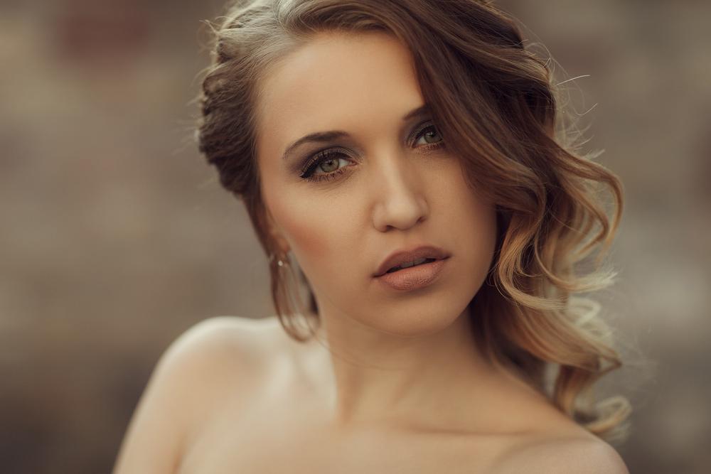 Portrait von Julia mit natürlichen Licht