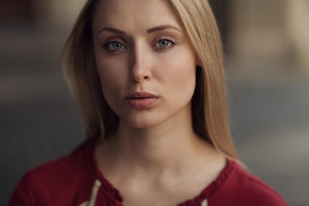 Portrait von Rebecca mit natürlichem Licht